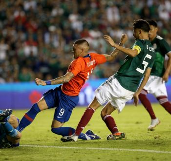 [VIDEO] Nos tienen de hijos: El enojo de un comentarista mexicano tras la victoria chilena