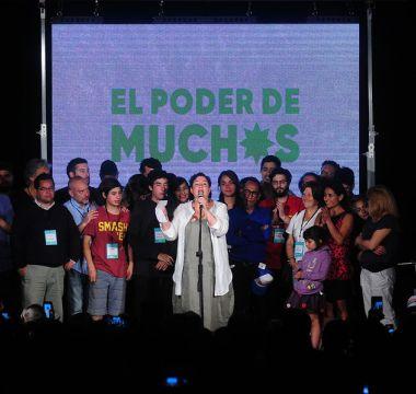 Frente Amplio consigue cerca de 20 diputados y se consolida como la tercera fuerza