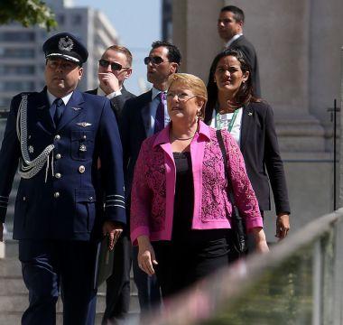 Bachelet después de La Moneda: quedarse en Chile, descansar, y monitorear continuidad de reformas
