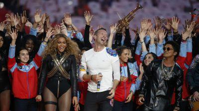 [VIDEO] Coldplay, Beyoncé y Bruno Mars encendieron el medio tiempo del Super Bowl