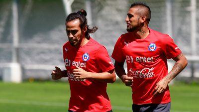 [VIDEO] Arturo Vidal: Feliz por Valdivia, porque es mi amigo y un jugador que se extrañaba