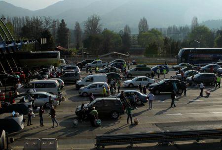Fin de semana largo: anuncian medidas de contingencia ante salida de 470 mil vehículos de Santiago