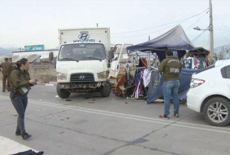 Robo de camión termina con atropello múltiple en feria de Puente Alto