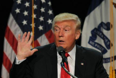 Trump promete beneficios económicos a los latinos