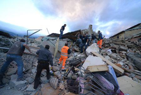 Las imágenes y videos más impactantes que dejó el terremoto 6,2 en Italia