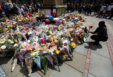 Aseguran que se detuvo a gran parte de la célula responsable del atentado en Manchester