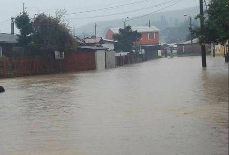 Autoridades evalúan evacuaciones en región del Bío Bío