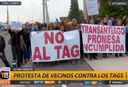 Vecinos de Lampa bloquean caletera de ruta 5 norte en protesta contra los tags