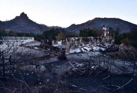 Aumentan a 50 los fallecidos por incendios en California