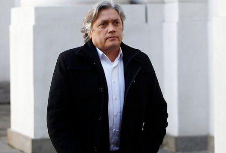 Senador Navarro es expulsado con insultos y agresiones de la marcha en contra de las AFP