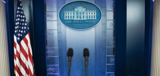 La polémica exclusión de grandes medios de una conferencia de prensa en la Casa Blanca