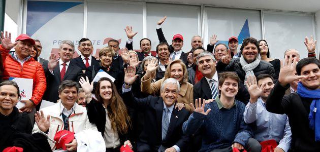 Deportistas, artistas, un animador y un peluquero: los miembros del consejo ciudadano de Piñera