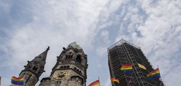 El desfile del orgullo gay de Berlín celebra el matrimonio entre homosexuales