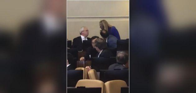 [VIDEO] Polémica en el Congreso por dichos de Urrutia: Gritos y empujones en la Cámara Baja