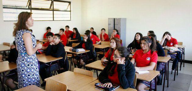 Suspenden inicio de clases en la región Metropolitana por corte de agua