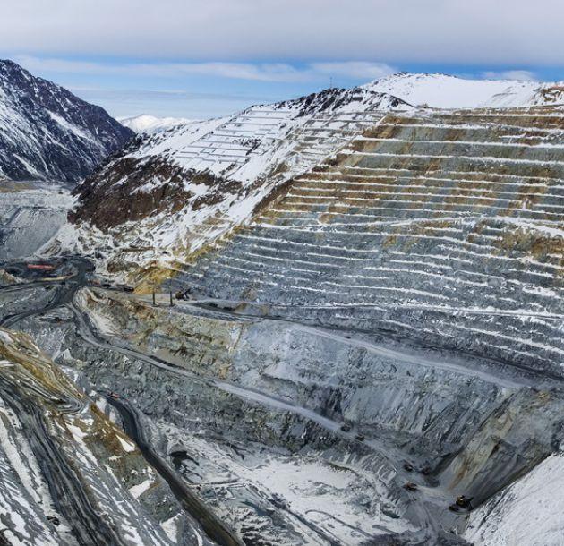 A septiembre, Antofagasta Minerals elevó 9,4% su producción y redujo 18% sus costos