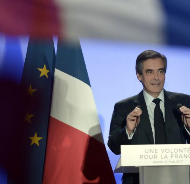 Presidenciales francesas: Campaña sigue entre acusaciones de complots y traición
