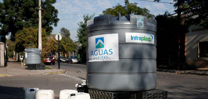Compañía estima que a las 20 horas se comenzará a inyectar agua en las cañerías de Santiago