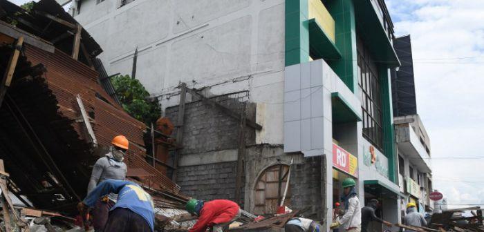Temblor 6.8 en Filipinas deja pánico, heridos y daños en la ciudad.