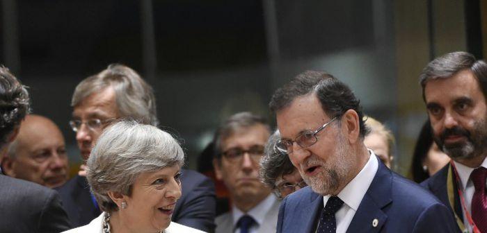 May: Reino Unido no reconocerá la independencia de Cataluña