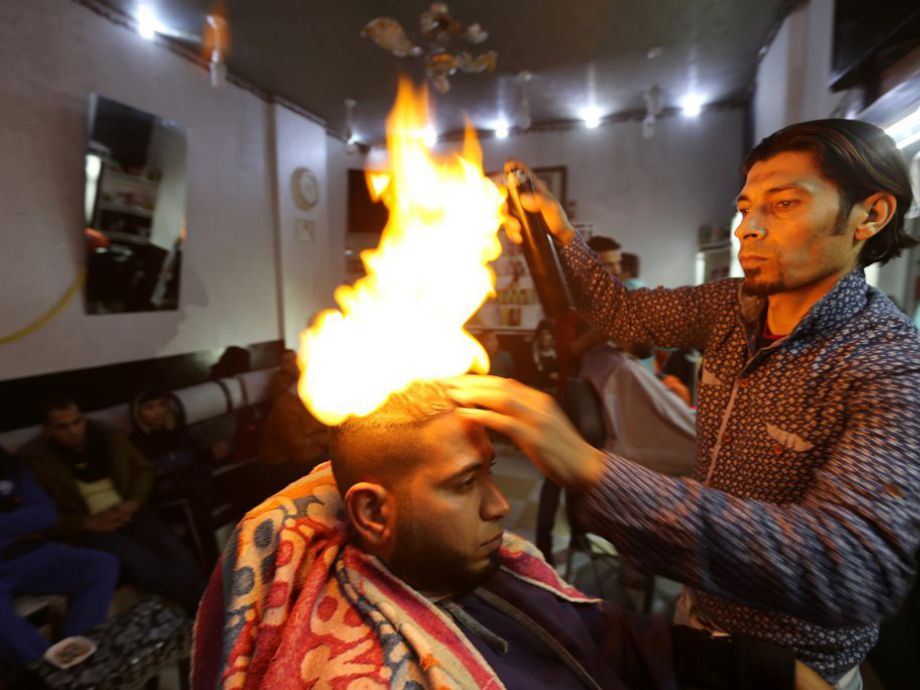 Como se corta el pelo con fuego